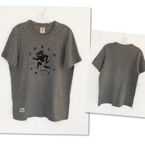 Tracksmith New England men's t shirt